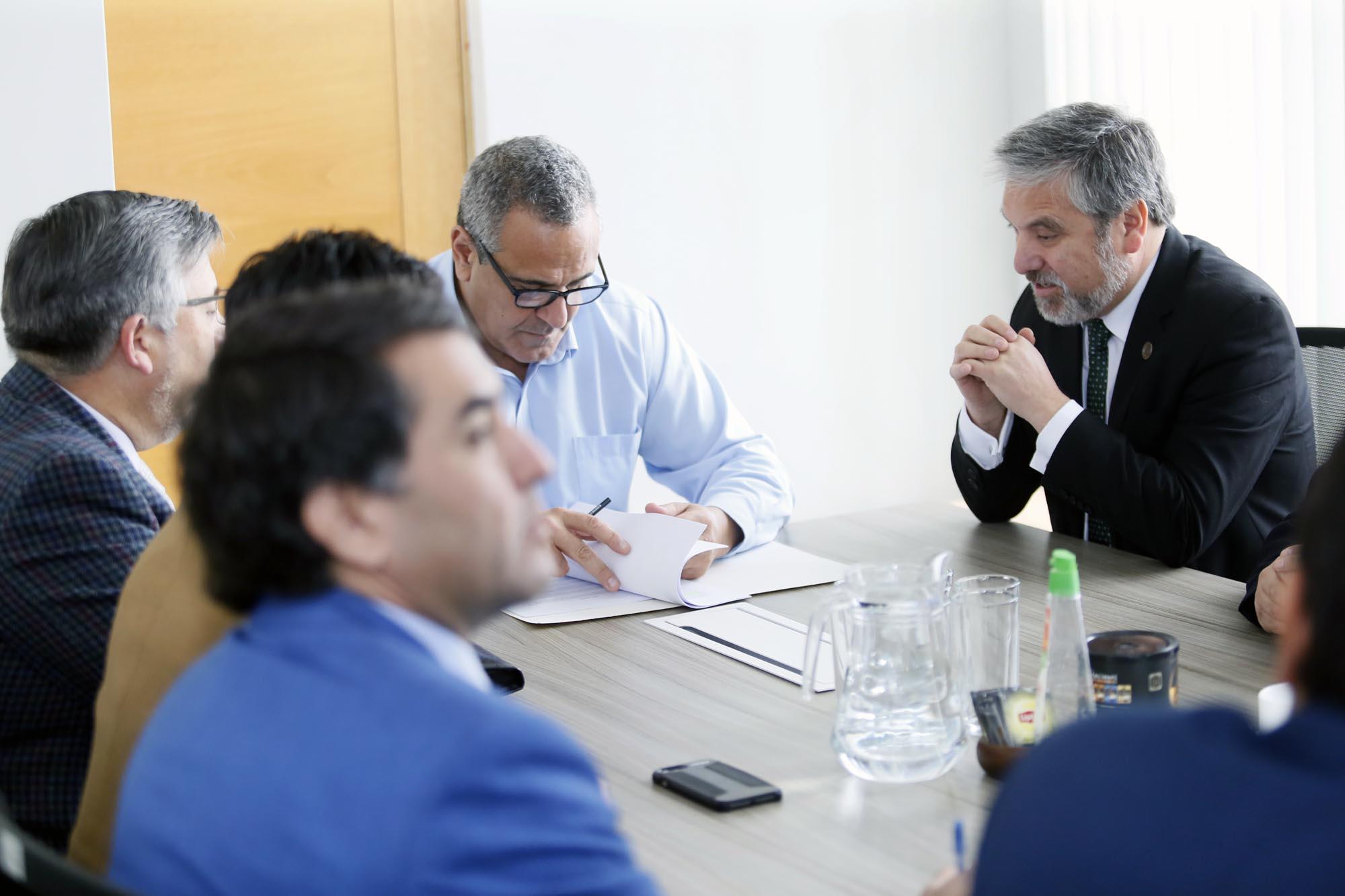 Centro Regional Oncológico es respaldado por las máximas autoridades maulinas