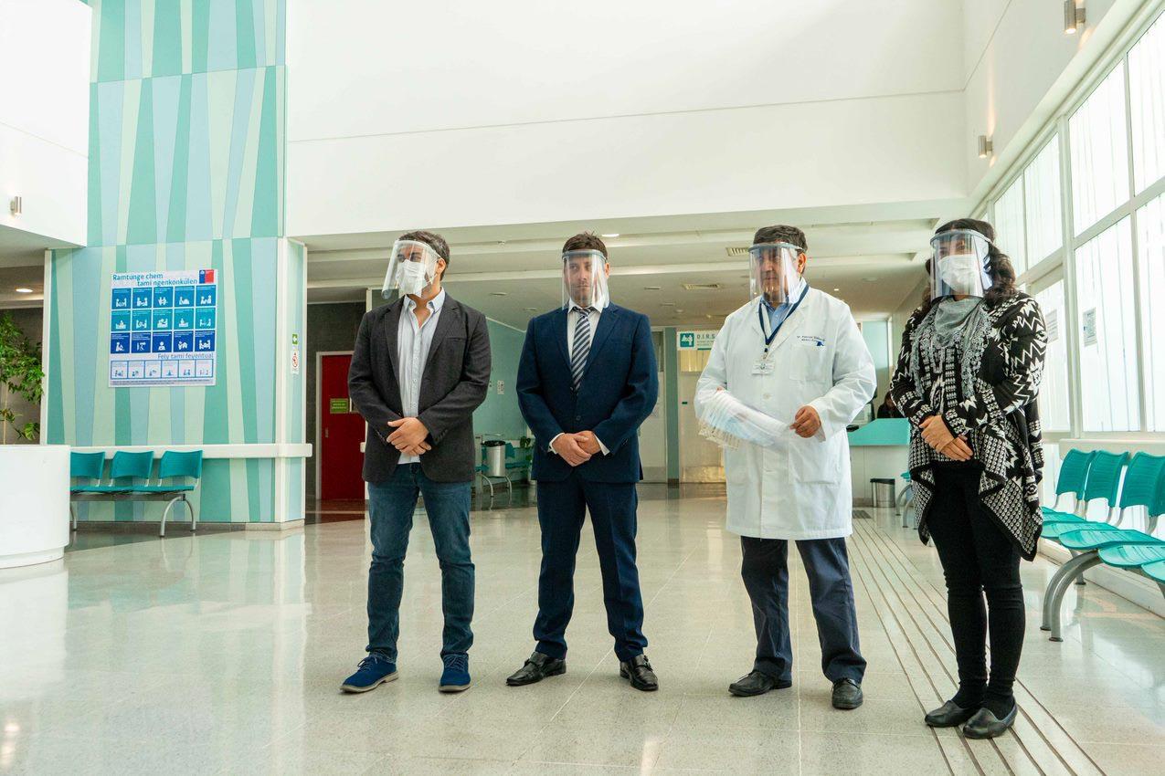 Entregan primeros protectores faciales tipo escudo al Hospital Regional de Talca