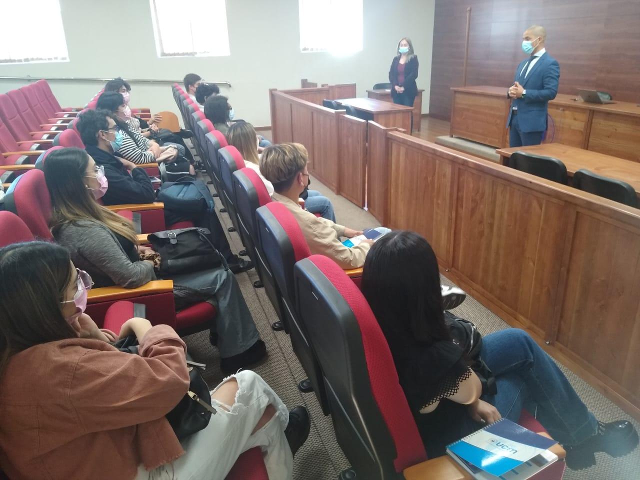 Estudiantes de primer y segundo año de la FACSE recorren las dependencias de las UCM