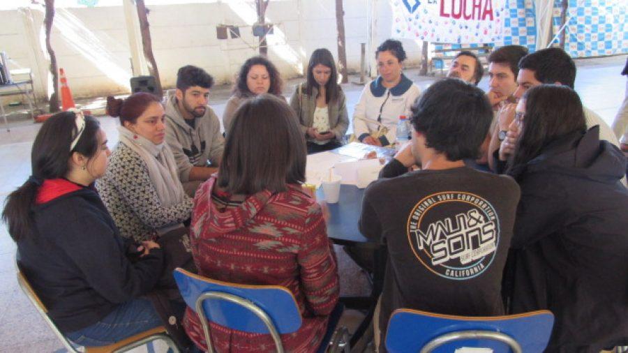 Conversatorio sobre demandas ciudadanas reunió a comunidad UCM Curicó