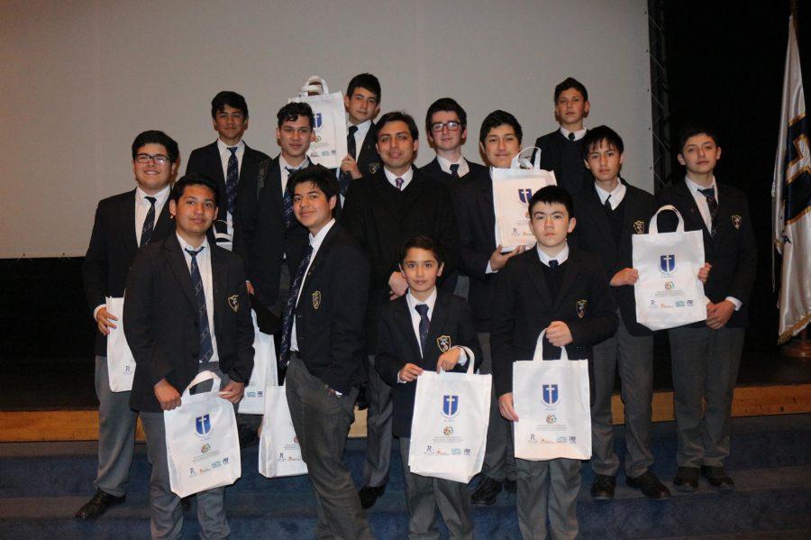"""Jóvenes talquinos participan de seminario """"Liderazgo y Ciudadanía"""" en EXT UCM"""