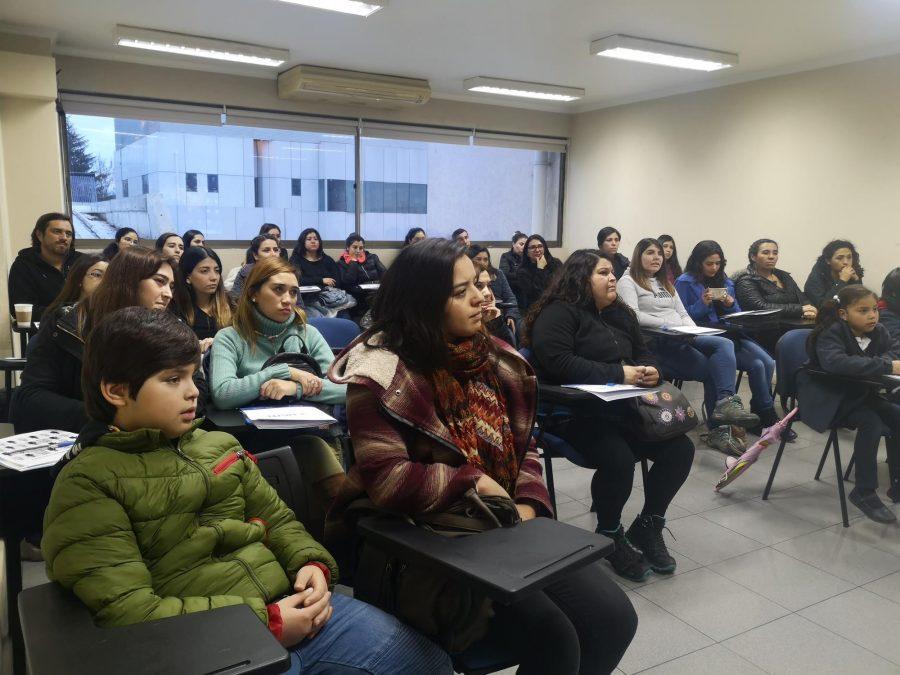 Gran interés despertó clases de Lengua de Señas Chilena