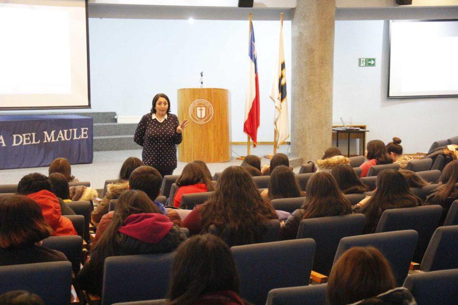 Estudiantes aprenden más sobre interculturalidad