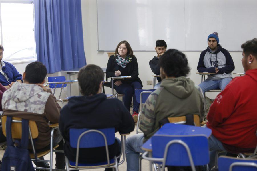 Estudiantes de pre y postgrado colaboran en el proceso de acreditación