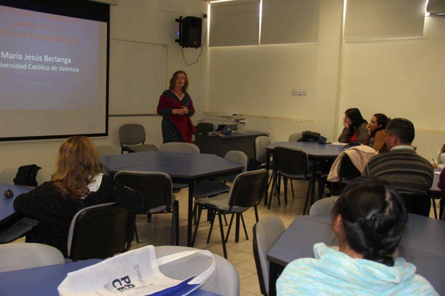 Experta internacional destaca la oportunidad que hay para los trabajadores sociales en el desarrollo comunitario