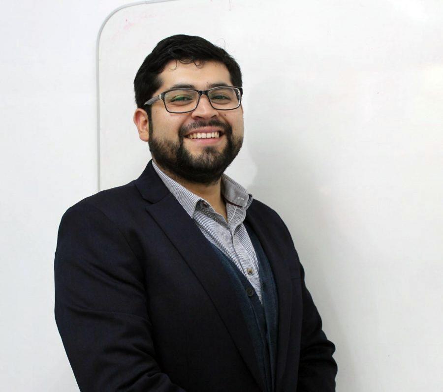 Pedro Severino expone en congreso internacional